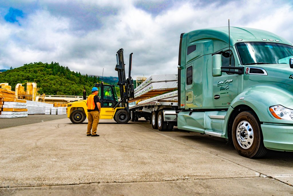 Regional Flatbed Truck Driving Job Offered Central Oregon Truck Company